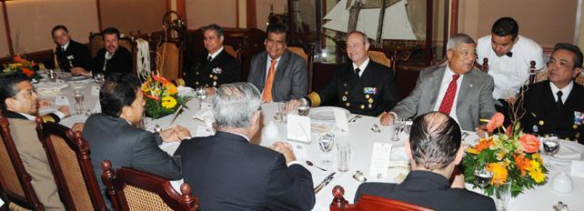 reunion con integrantes de la Comisin de Marina